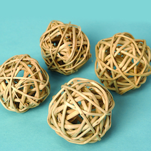 Natural Willow Balls 4pk  medium