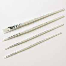 White Nylon Paint Brushes Assorted  medium