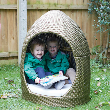 Outdoor Plastic Rattan Snuggle Pod  large
