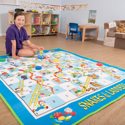 Giant Snakes and Ladders and Die  large