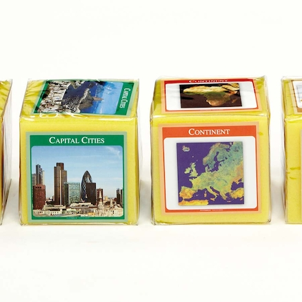 Pocket Dice Cards World Countries  large