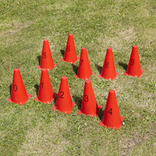Plastic Number Cones 0-9  medium