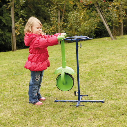 Outdoor Trundle Wheelie Painters Stand  large