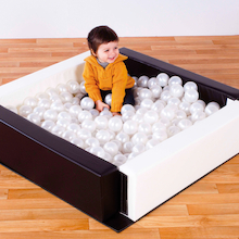 Black and White Ball Pool with 250 Balls  medium