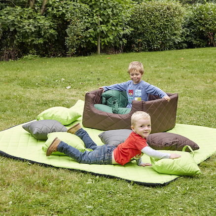 Outdoor Quilted Furnishing Set  large