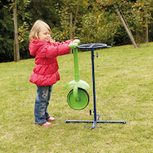 Outdoor Trundle Wheelie Painters Stand  medium