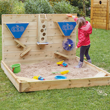Outdoor Wooden Sand Wall  medium