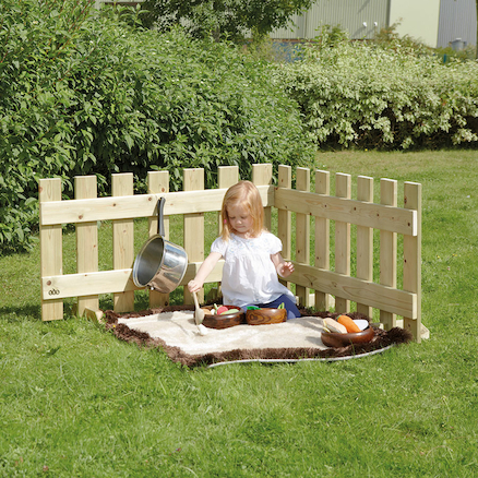 Toddler Outdoor Wooden Fence Panels 7pk and Gate  large