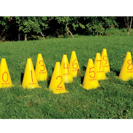 Plastic Number Cones 0-9  large