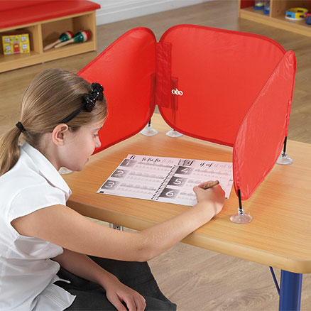 Pop\-Up Concentration Desk Barrier Red  large